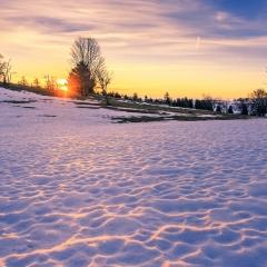 Lever de soleil au Creux du van, après une nuit glaciale, NE
